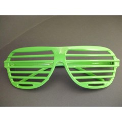 lunette story verte, lunette striée verte pour toutes vos soirées st patrick, party glass, oooou autres themes