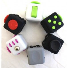 Fidget cube anti-stress (couleurs assorties)